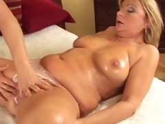 Mature Rosalyn spreads for neighbour guy