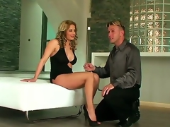 Ana Monte Real is a gorgeous hottie with a super hot body and incredible legs. She likewise has feet that are also hot for this guy who has to engulf on them before fucking this luscious milf babe.