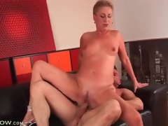 Short hair blonde mature drilled in tight cunt