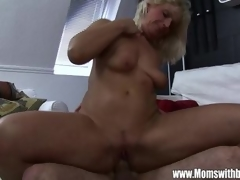 Pool Boy Fucks Mature Blonde Babe After Getti